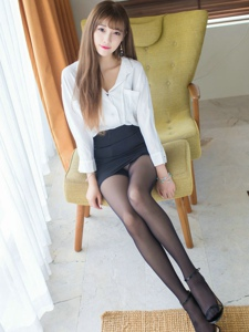 俏丽女神ugar小甜心CC黑丝袜美腿极致诱惑