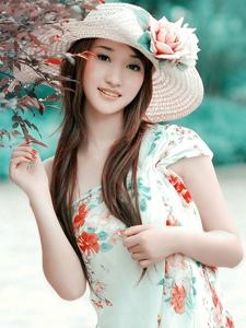 气质美女户外阳光长裙小清新迷人写真