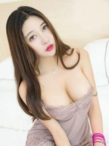 美女尤物李梓熙情趣内衣写真巨乳诱惑
