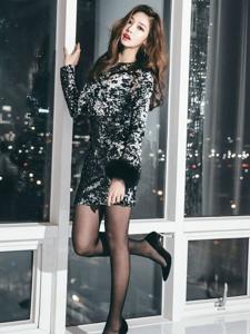 韓國美女黑絲短裙寫真氣質迷人寫真