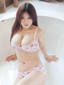 亚洲第一性感女神孟十朵内衣哟偶人大秀H奶巨乳