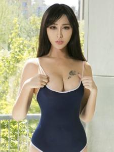 美女模特孟狐貍透視內衣寫真美乳呼之欲出