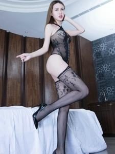 连身网袜美女Stephy纤腰丰臀香艳四溢