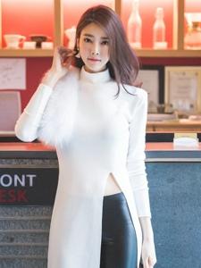 韓國街拍性感長腿女神氣質粉嫩迷人寫真