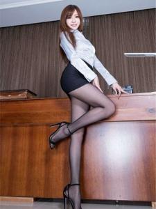 辦公室性感黑絲襪誘惑美女秘書寫真令人驚嘆