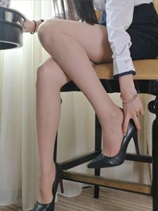 私房肉色丝袜高跟美腿俏丽美腿极致诱惑