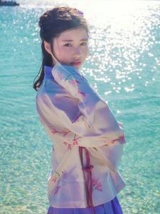 镜花水月的古装美女海边唯美写真气