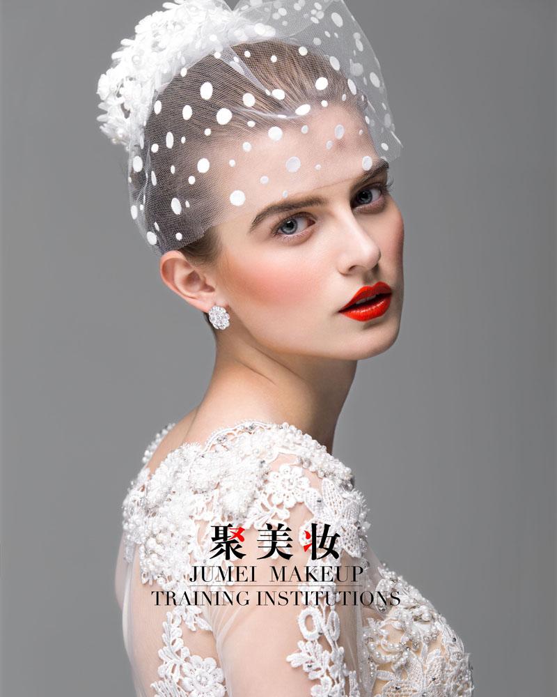 点击大图看下一张:创意新娘妆 化妆造型