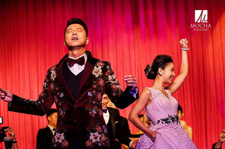 点击大图看下一张:王雷 李小萌 经典婚礼 婚礼跟拍