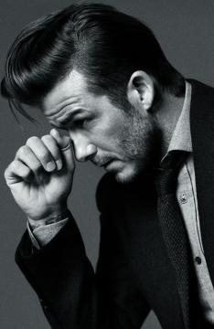 贝克汉姆黑白广告展熟男魅力图片