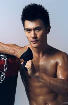 肌肉帅哥沈泰酷帅拳击写真图片