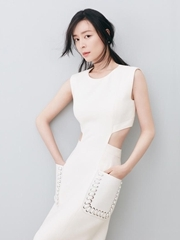 张静初曝时尚写真 成熟妩媚大秀完美腰线