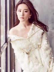 刘亦菲写真小露香肩 神仙姐姐秒变天仙攻