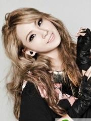 CL李彩麟灰色金色染发 韩国最帅Rapper女王李彩麟发型发色盘点