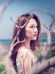 张雯最新写真曝光 展浪漫童话风