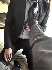 西装皮鞋黑袜帅哥
