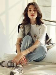 水原希子时尚写真 休闲风变邻家少女