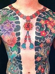 神圣的佛珠项链纹身汉子爱好的吉祥纹身图案