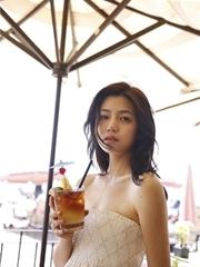 女神陈妍希夏威夷晒美照