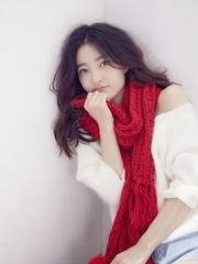 美女演员王丽坤冬日甜美可爱写真