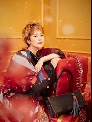 海清登《时尚cosmo》12月圣诞别册封面