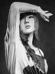 女性鉛筆肖像畫作品
