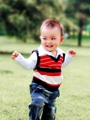 一岁男孩超短发发型