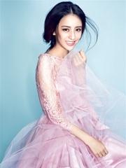 佟麗婭少女系寫真曝光 粉紅紗裙仙氣十足