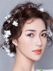 最新新娘发型推荐 优雅鲜花新娘造型