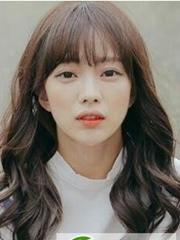 韩版中长梨花烫 2017最新女生烫发
