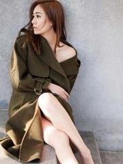 劉蕓冬日暖陽寫真演繹清純性感 修長大長腿吸睛