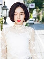 吕佳容短发发型写真 红唇妩媚撩人