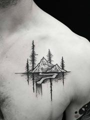 精致的黑色微型景观纹身图案来自托马斯