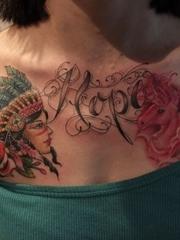 美女胸口好看的独角兽英文纹身图案
