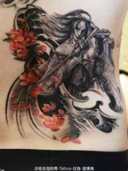 女侠武士花卉腰部彩色纹身图案