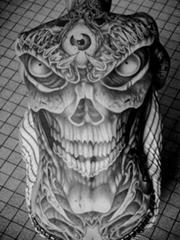 霸气男人背部另类骷髅纹身图片