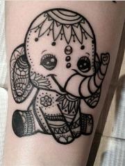 可爱的花纹小象纹身图案
