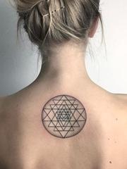 多款简约的风格图形纹身图案来自泽利娜