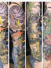 时尚花臂纹身小恐龙纹身图片