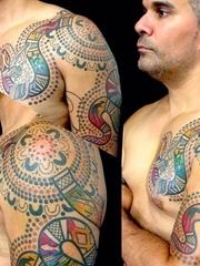 非常受启发的原始生物纹身图案来自于纹身师卢