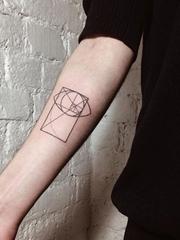 女生喜爱的简单手绘纹身图案来自于纹身师安雅