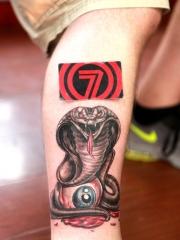 小腿眼鏡蛇眼球彩繪紋身圖案