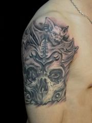 手臂蝙蝠骷髅个性纹身图案