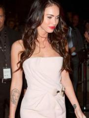 梅根福克斯手臂玛莉莲梦露肖像纹身图案