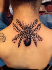 后背八足魔兽蜘蛛个性纹身图案