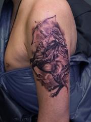 手臂星座人马座纹身图案