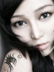 女生手臂海马纹身图案