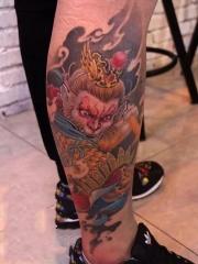 小腿斗战胜佛彩绘纹身图案