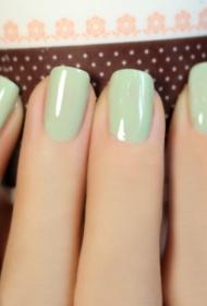简单又好看的小清新抹茶绿纯色美甲图片
