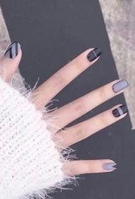 2017新款時尚大方的黑色搭配奶奶灰彩繪個性圖案美甲款式圖片